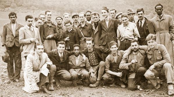 La banda partigiana di Roti (Macerata) con etiopi, russi, ebrei, croati, italiani.